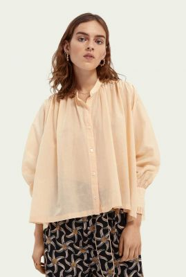 perzik kleurige oversized zijde-mix blouse met ruches 161498