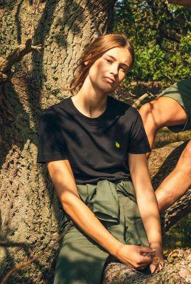 zwart t-shirt met geborduurde citroen Mysen lemon 17270