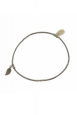 zilveren elastische armband met veer hanger 2001A58