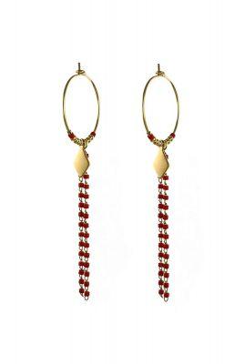 gouden oorbel met hanger van donker rode kralen 2001B07