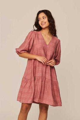 oudroze wijde jurk met korte ballonmouwen en v-hals fenello