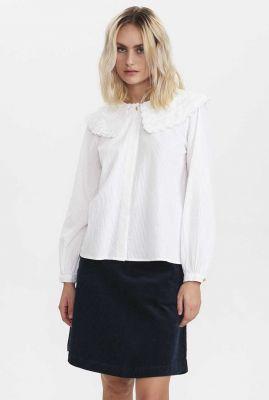 witte blouse met grote kanten kraag nucurran blouse 700751