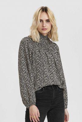 zwarte blouse met gesmokte details nusindy blouse 700866