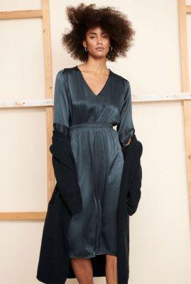 donker grijze satijnen jurk met v-hals dress blaze hd0131