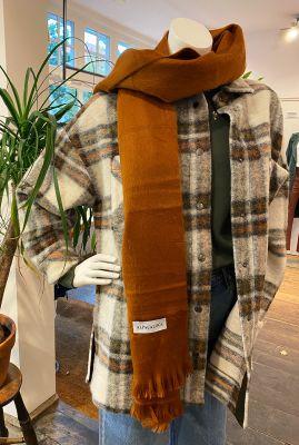 roest kleurige handgemaakte sjaal van alpaca wolmix rusty scarf