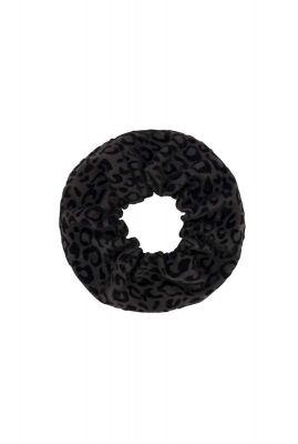 grijze scrunchie met zwarte luipaard print dilia