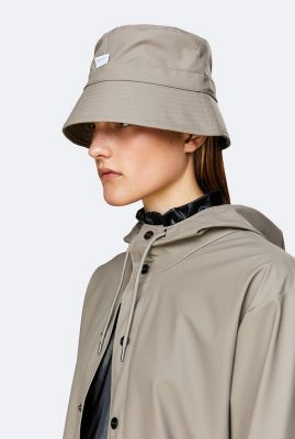 taupe kleurige regenhoed bucket hat 2001