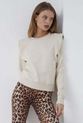 creme kleurige sweater met schoudervulling sw on the go
