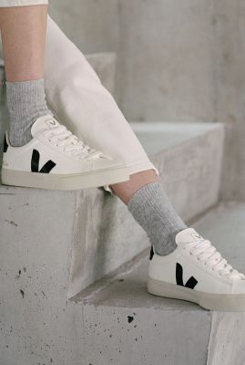 witte sneakers met zwart v-detail campo chromefree cp051537