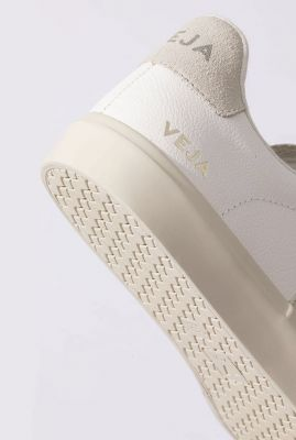 witte sneakers met licht v-detail campo chromefree cp052429