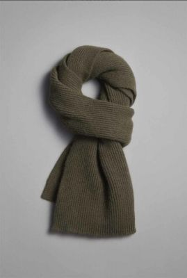 donkergroene sjaal van lamswol en duurzame angora croco scarf