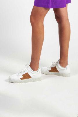 witte leren sneakers met bruin suede details dina leather