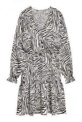 witte satijn look jurk met zebra print dr aaliyah