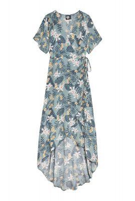 licht blauwe wikkel jurk met botanische print dr pastel paradiso