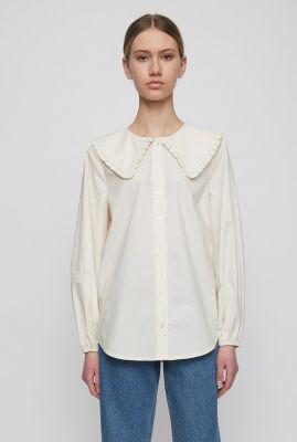 off-white blouse met lange mouwen en grote kraag eve shirt