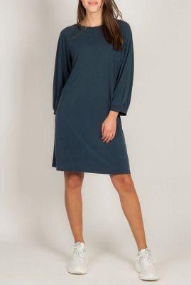 zachte donker blauwe jersey jurk met 7/8 mouwen feola dress