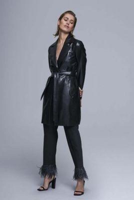 leer look mantel jas met revers en ceintuur 6602200