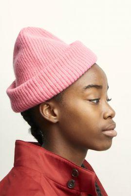 roze gebreide lamswollen muts bubblegum beanie