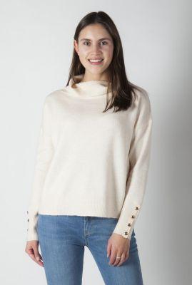 zachte ecru kleurige trui met gouden knopen madoura