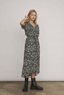 zwarte jurk met groene bloemen print nina midi dress SR420-706