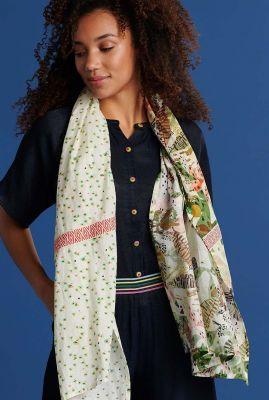 ecru kleurige sjaal met jungle print jungle beats ecru sp6423