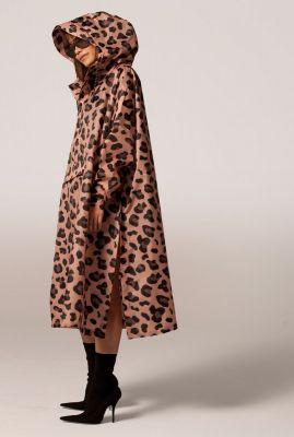 lichtroze regenponcho met capuchon en luipaard print pink panther