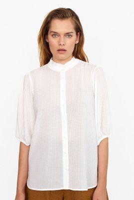 witte blouse met ingeweven ruit dessin en ruches tara ss shirt
