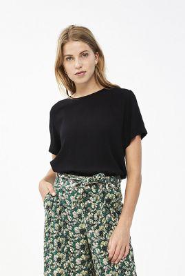 zwarte soepel vallende top met korte mouwen sera crinkle blouse