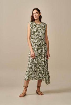 groene viscose jurk met wit bloemen dessin siggy f1877