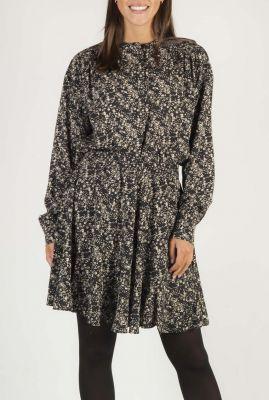 zwarte blouse met all-over bloemen dessin dee ls SR520-704