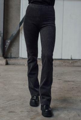 donker grijze flared broek met elastische tailleband izzy flared