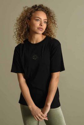 zwart t-shirt met geborduurd detail take me to the moon tee