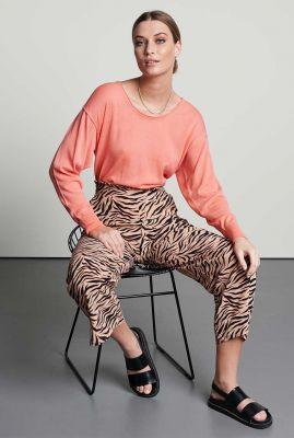 roze broek met wijde broekspijp en zebra dessin tr sunny zebra