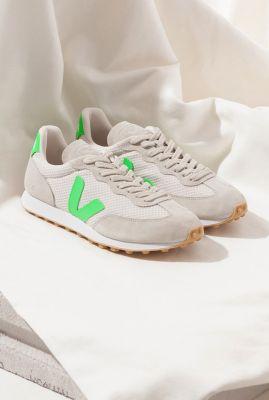 lichte sneakers met groene details rio branco gravel absinthe rb012205