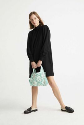 zwarte jurk met opstaande kraag flora dress wdr00104