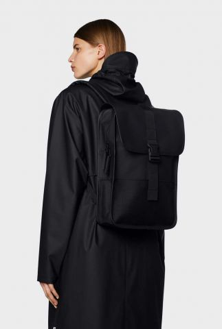 zwarte rug tas met gespsluiting en gewatteerde rugzijde 1370 black