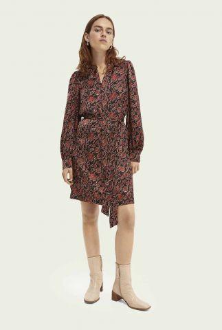 zwarte jurk met rode bloemenprint en strikceintuur 163871