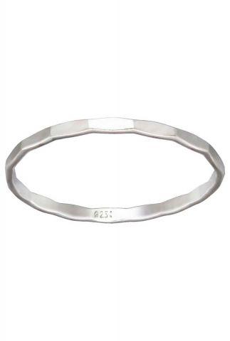 zilveren ring met gehamerd dessin maat S 2001R16