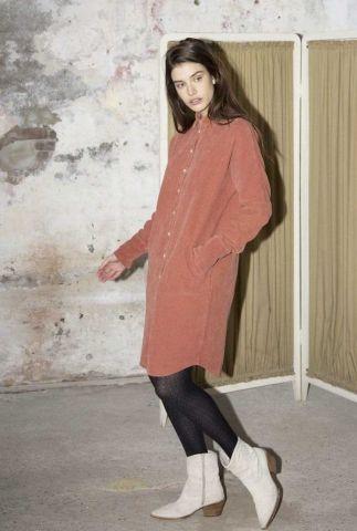 roest kleurige corduroy jurk met steekzakken mara dress 202166