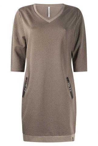 taupe jurk met zigzag patroon 215mandy