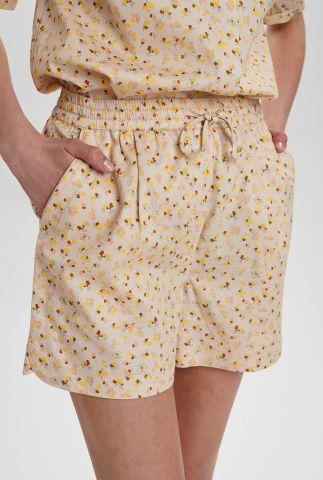 zandkleurige short met all-over print nucharlie shorts 700503