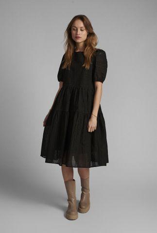 zwarte uitlopende jurk met korte pofmouwen nucarolla dress 700507
