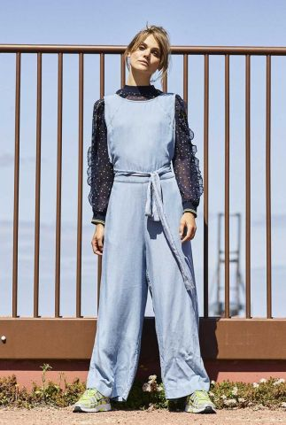 denim look jumpsuit met open detail achter nuanna jumpsuit 7220601