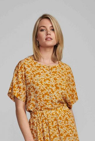 okergele blouse met fijne bloemen print nubijou 7420010