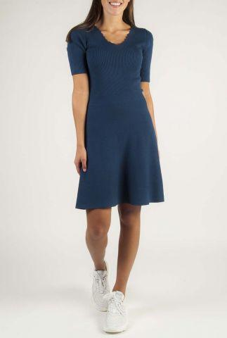 donkerblauwe jurk met rib dessin nubethenny 7420824