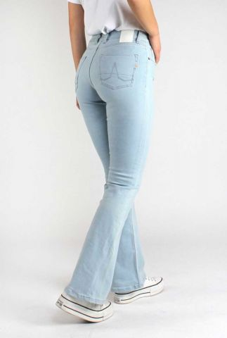 lichte jeans met flare pijp amy 30-42 amy bootcut sky blue