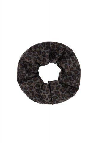 grijs met bruine luipaard print scrunchie isabelle-scrunchie