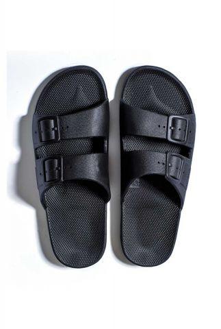zwarte vegan slippers met een dubbele gesp band basic black