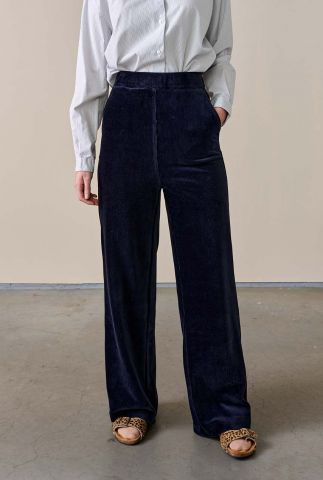 donkere velours broek met subtiel rib dessin atim t1536