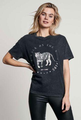 donker grijs t-shirt van biologisch katoen met opdruk ts take a walk